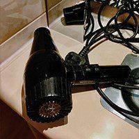 Are there hair dryers in hotel rooms in Greenland?